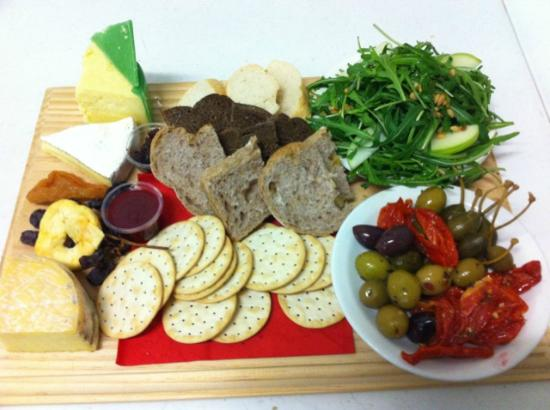 Hunter Valley Cheese Factory & Tasting Rooms: cheese platters with condiments available for eat in or take out