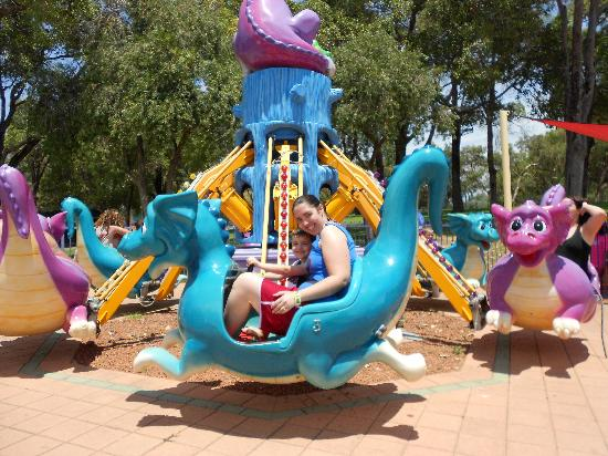 Adventure World: Scary dragon ride for littlies (and mums!)