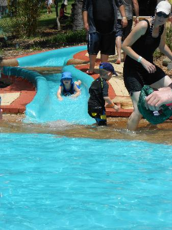 Adventure World: Safe lil waterslide for toddlers