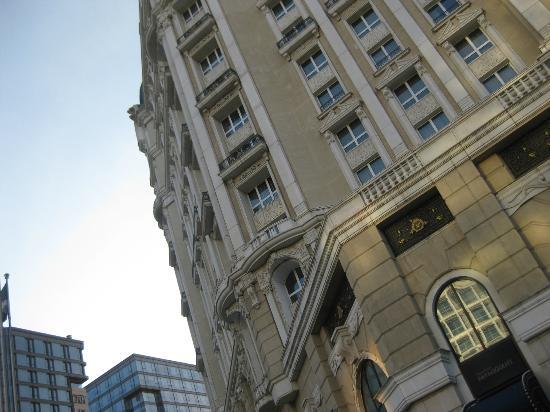 Legendale Hotel Beijing: Rocco/Baroque excellence!