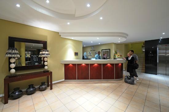โรงแรม เดอะ แพกซ์ตัน: Reception