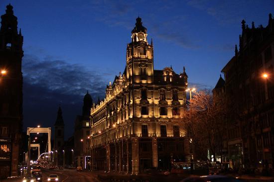 بودا - بار هوتل بودابست كلوتلد بالاس: Buddha-Bar Hotel Budapest Klotild Palace