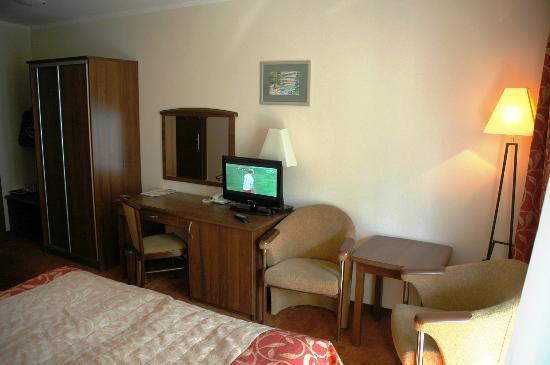 Pogorzelica, Polen: Fina rum med bra toaletter, TV, Kyl och minibar
