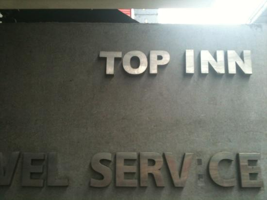 Top Inn Sukhumvit: front