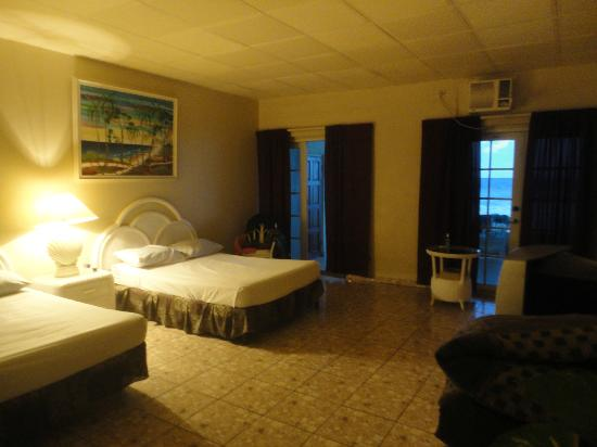 Silver Seas Resort Hotel: Rooms are very roomy