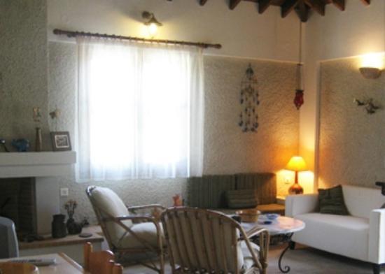 Molyvos Cottage: Living room