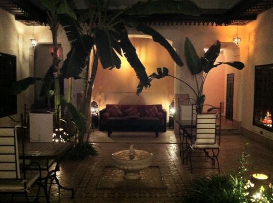Dar Balthazar: patio