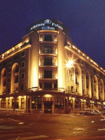 Athenee Palace Hilton Bucharest: Athenee Palace from outside