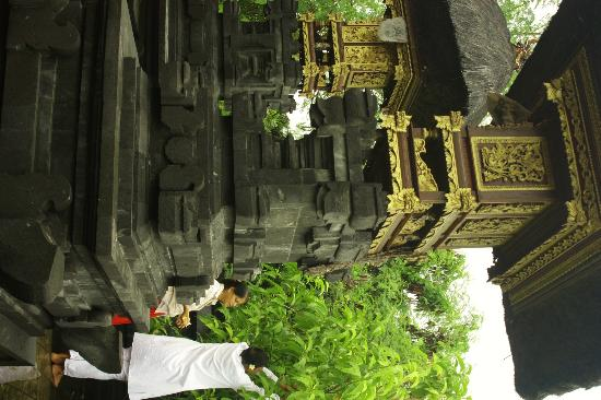 Wayan's Guest House: temple