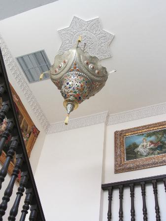 Hotel El Poeta de Ronda: Lámpara 2ª planta