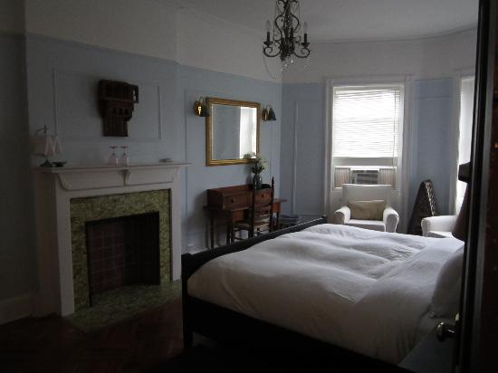 Lefferts Manor Bed & Breakfast: It's amazing place..