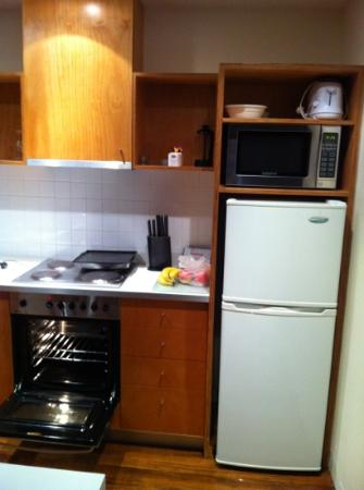 Phillip Island Apartments: Kitchen Area