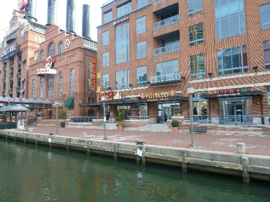 Hilton Garden Inn Baltimore Inner Harbor: Baltimore Shopping - Potbelly Sandwich works