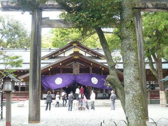 Sarutahiko Shrine : 正面から