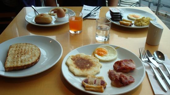 America Diamonds Hotel: colazione