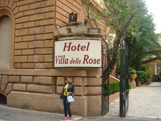 Villa Delle Rose Hotel: Entrance