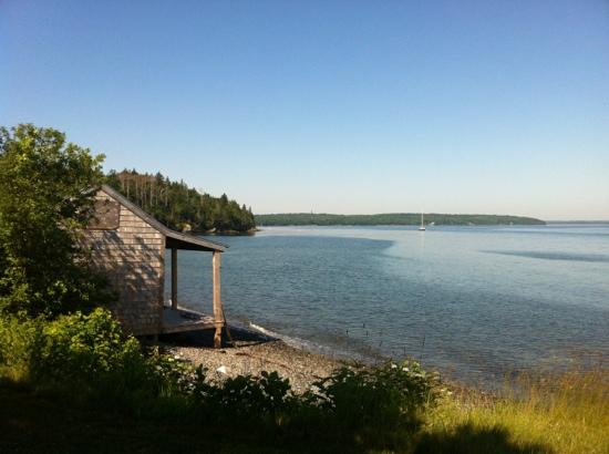 Emery's Cottages on the Shore: view from the cottages 