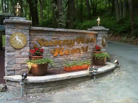 Sunny Rest Lodge: entrance