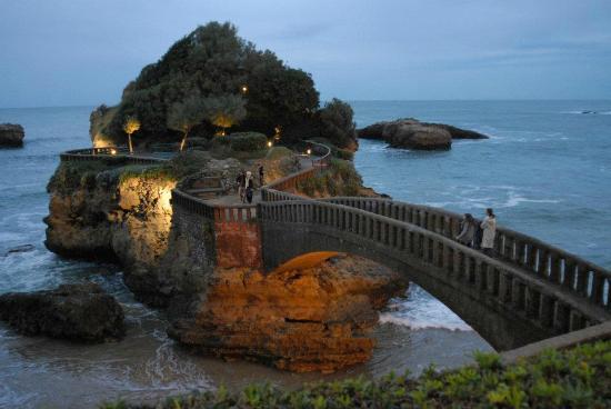 Rocher de la Vierge : Virgin on the rock