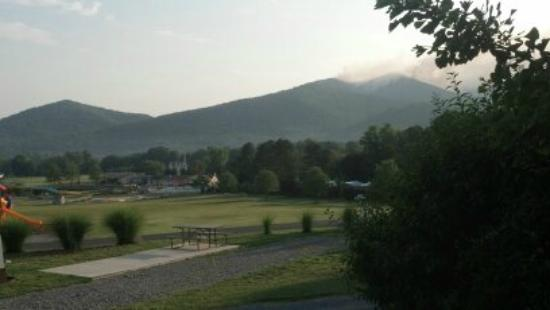 Yogi Bear's Jellystone Park Camp-Resort Luray: view from cabin