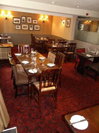 The Old Glen House: Inside the Restaurant