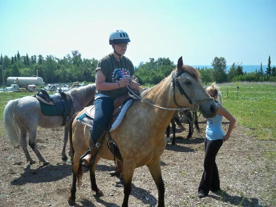 Sawtooth Mountain Stables: Getting saddled up