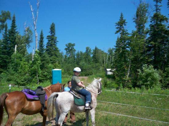 Sawtooth Mountain Stables: At the stable