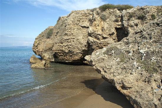 Plaka Beach Image