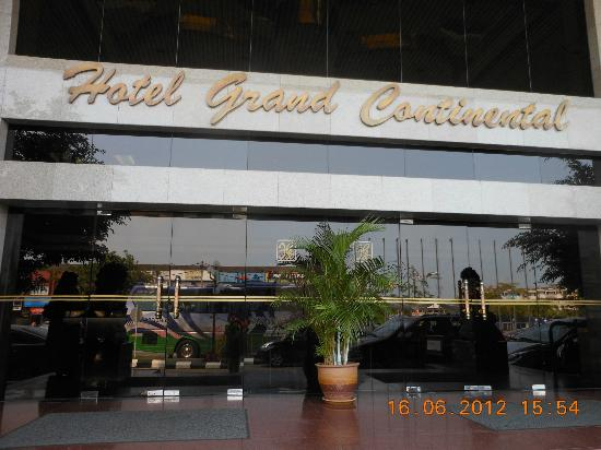 Grand Continental Kuantan: Front Entrance