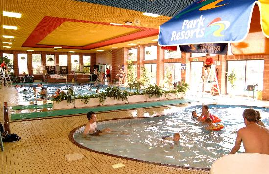 Fun Indoor Pool Picture Of Valley Farm Holiday Park Park Resorts Clacton On Sea Tripadvisor