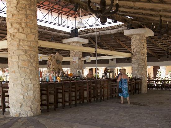 Vasilikos Beach: Mavratzis beach bar