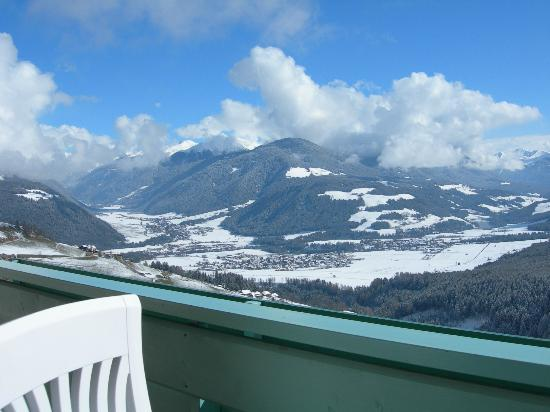 Hotel Kristall: Blick vom Balkon über das Pustertal