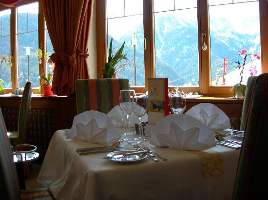 Hotel Kristall: Tischdekoration für das Abendessen