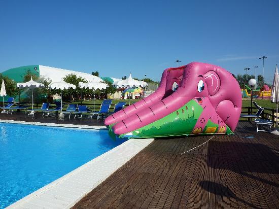Garden Sporting Center : la piscina per i bimbi