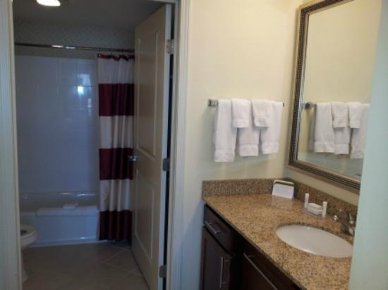Residence Inn Moline Quad Cities: Bath Area
