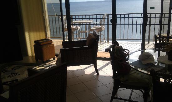 Hawaiian Princess Resort: Living Room with Lanai