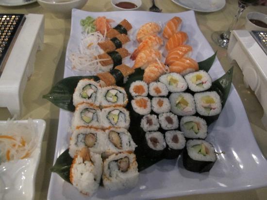 Zen Japanese & Oriental Restaurant: Mixed sushi