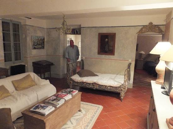 Chateau d'Ortaffa: Tuscany suite