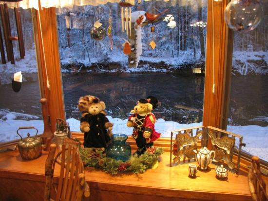 Bear Creek Cafe: Table view in winter