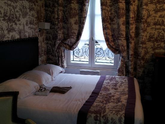 Relais Hotel du Vieux Paris: La stanza