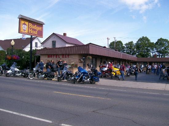 Motel Ely Budget Host: Iowa motorcycle group