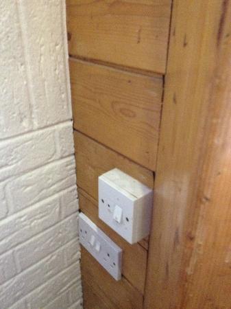 Chichester Park Hotel: plug socket in the restaurant - great for hygiene standards !!!
