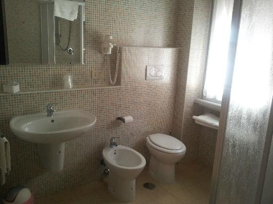 "Guest House House in Rome Domus Romana: Bagno camera ""Roma""."