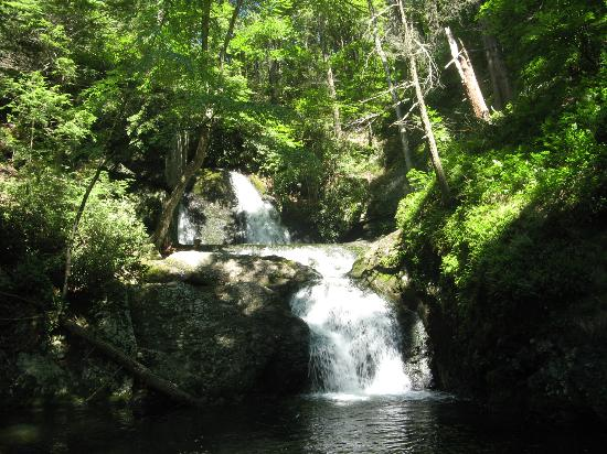 Deerfield Spa: Advanced Hike Location - The Falls (This is NOT on the property)