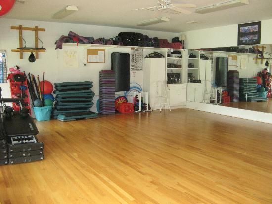Deerfield Health Retreat and Spa: Big Gym