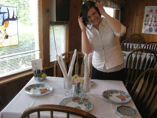 Deerfield Health Retreat and Spa: The Adorable Waitress
