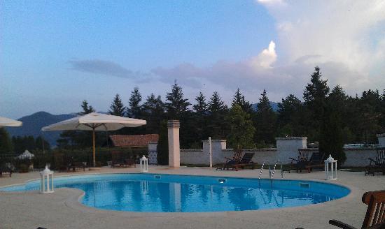 Hotel Il Bucaneve: la piscina