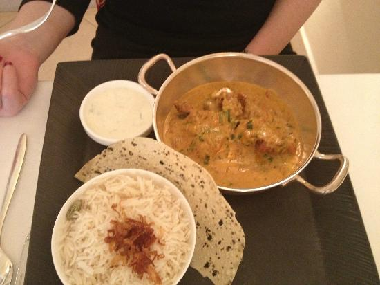 Essensia: Chicken Tikka Masala - best i ever had!
