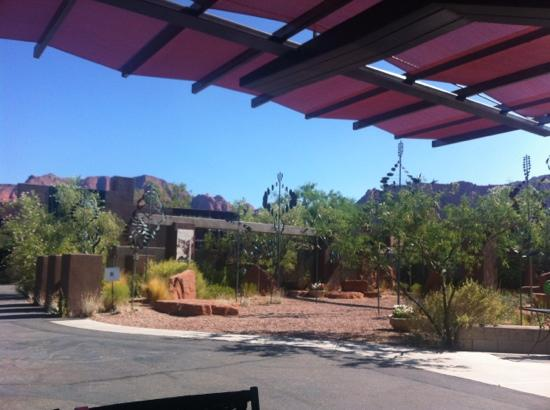Xetava Gardens Cafe: Eating outside