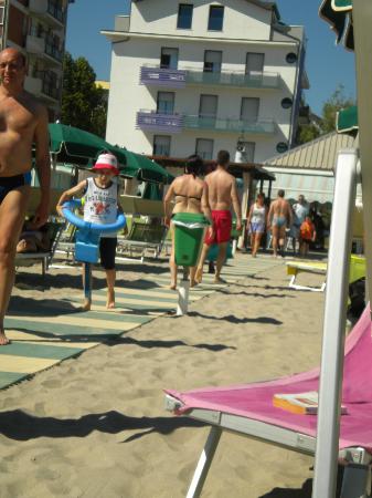 Hotel Iride: Vista dalla spiaggia dell'albergo